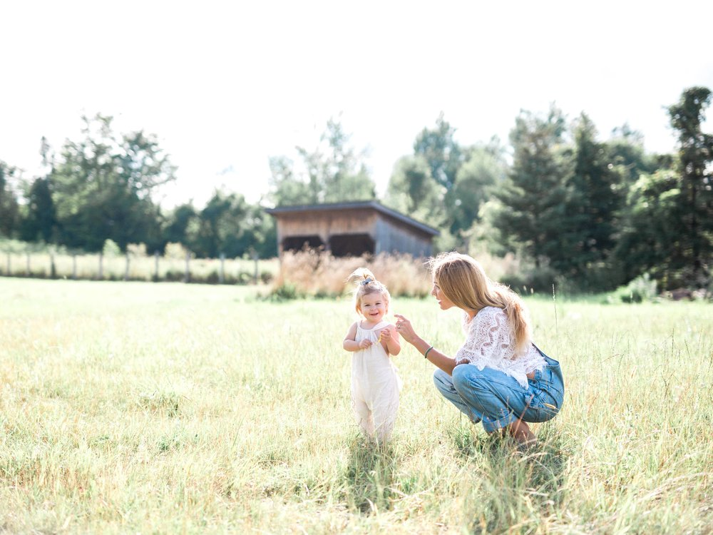 Mother and Daughter on Cottage Hill108.jpg