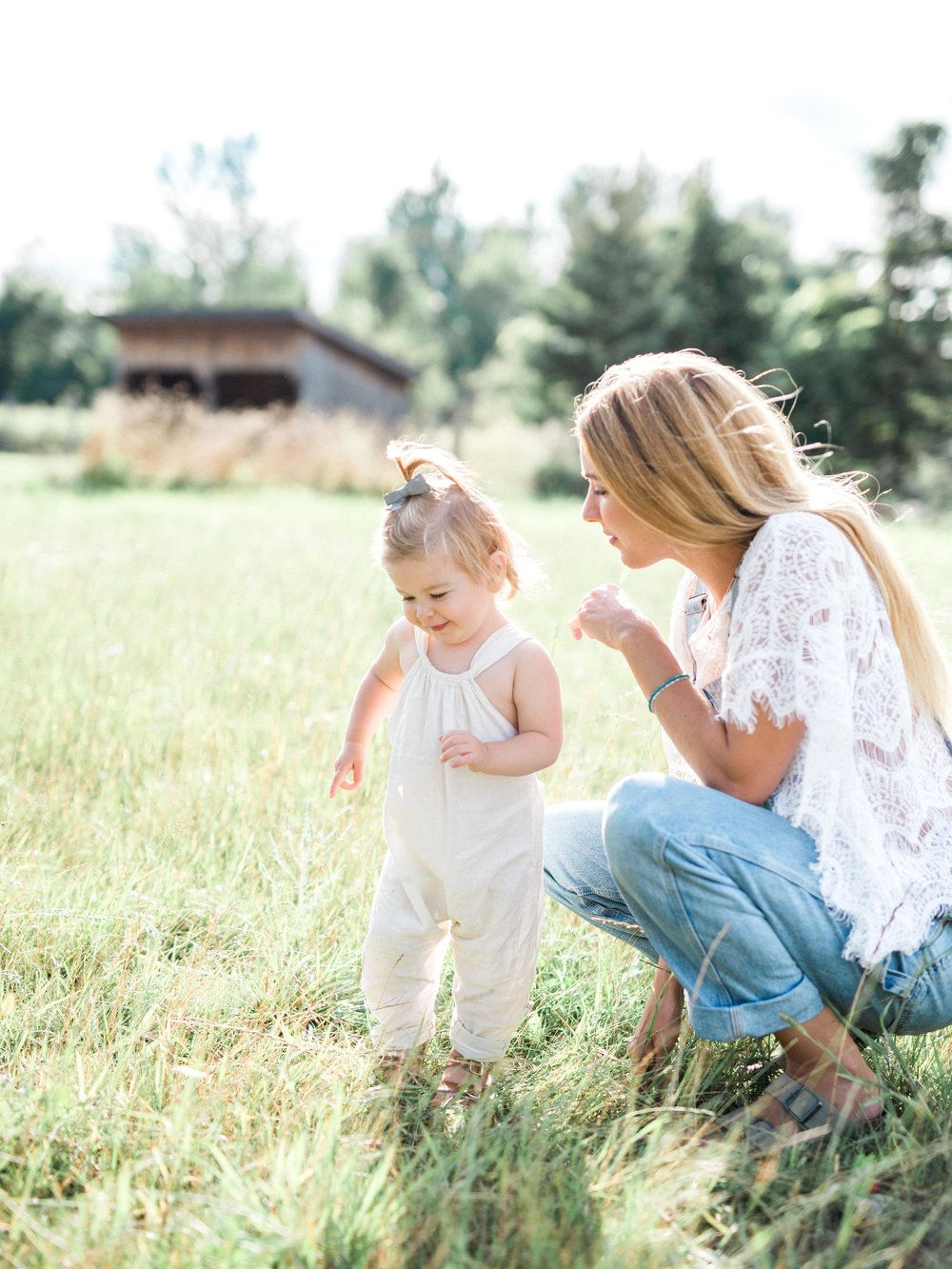 Mother and Daughter on Cottage Hill106.jpg