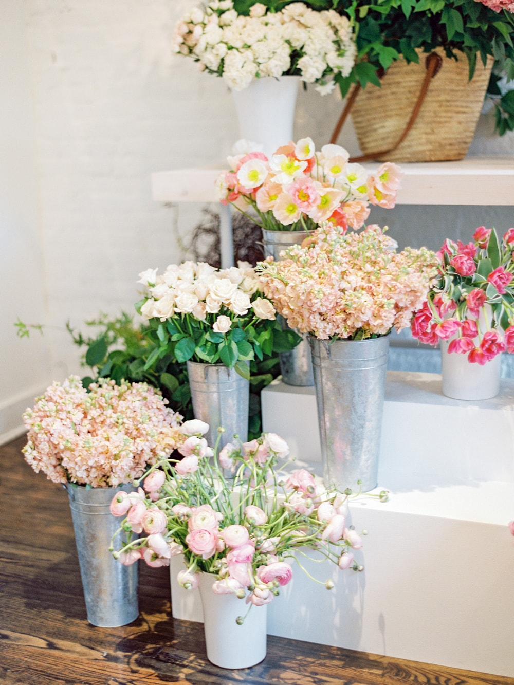 Create a Dynamic Floral Arrangement on Cottage Hill30.jpg