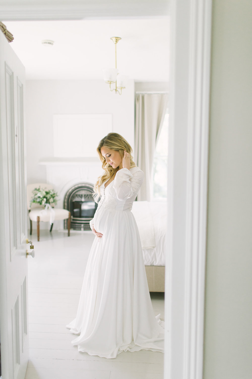 How to Look Elegant in Your Maternity Photos now on Cottage Hill cottagehill.co21.jpg