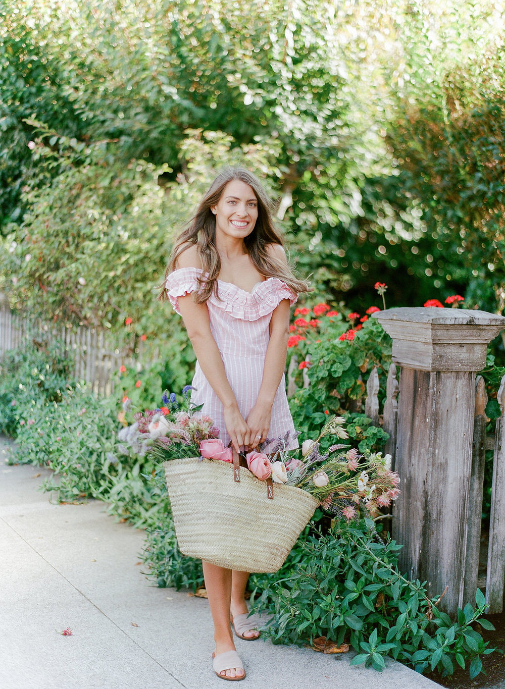 Summer Engagement Session now on Cottage Hill | cottagehill.co21.jpg