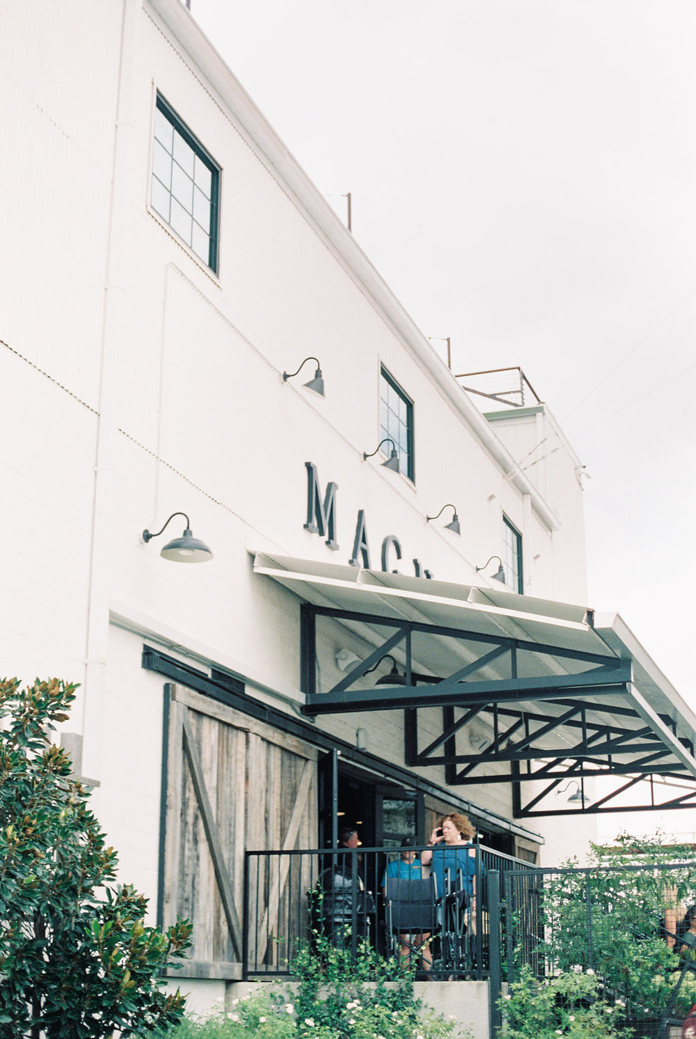 The 7 Things You Must Do at Magnolia Market on Cottage HIll | cottagehill.co40.jpg