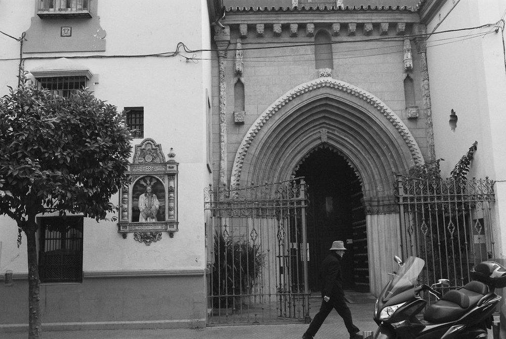 © Cottage Hill, LLC   cottagehill.co   Lisbon on Film6.jpg