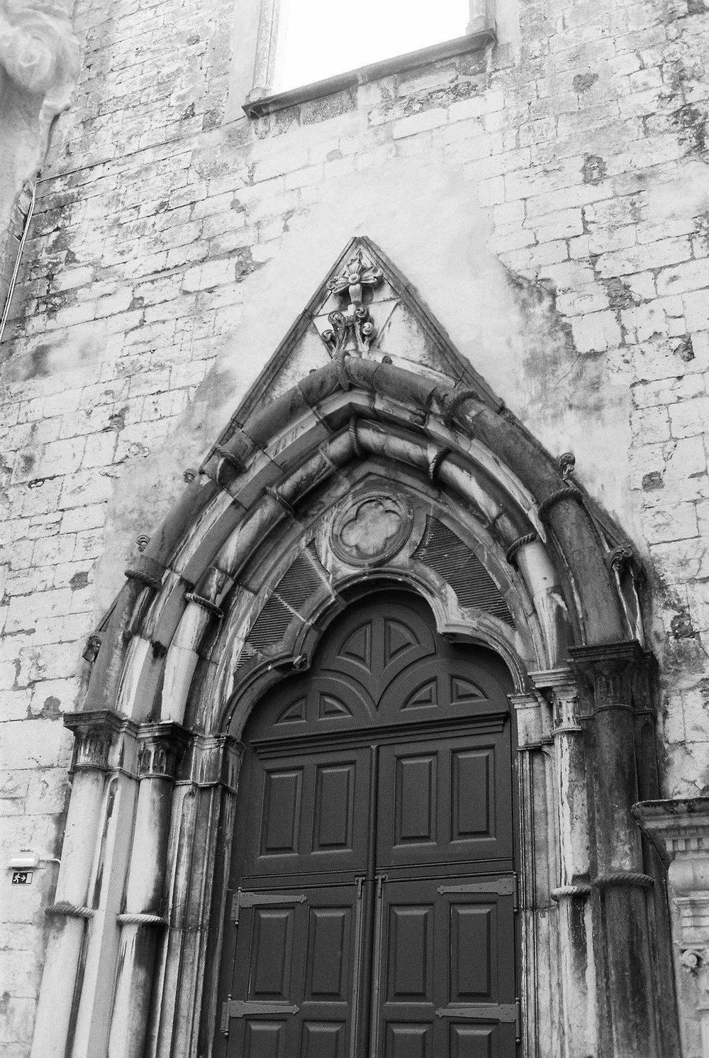 © Cottage Hill, LLC   cottagehill.co   Lisbon on Film8.jpg