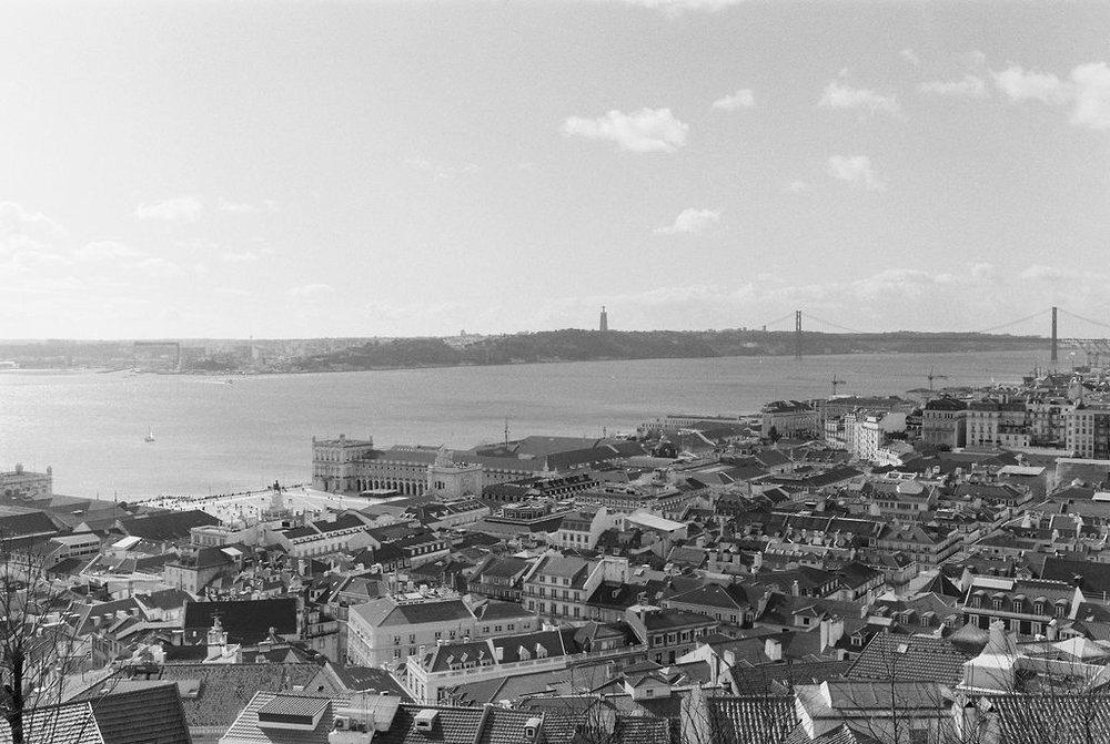 © Cottage Hill, LLC   cottagehill.co   Lisbon on Film14.jpg