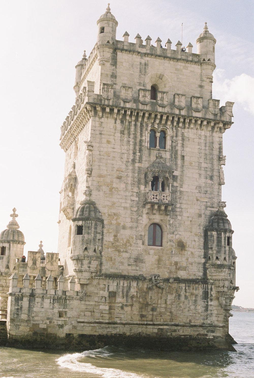© Cottage Hill, LLC   cottagehill.co   Lisbon on Film43.jpg