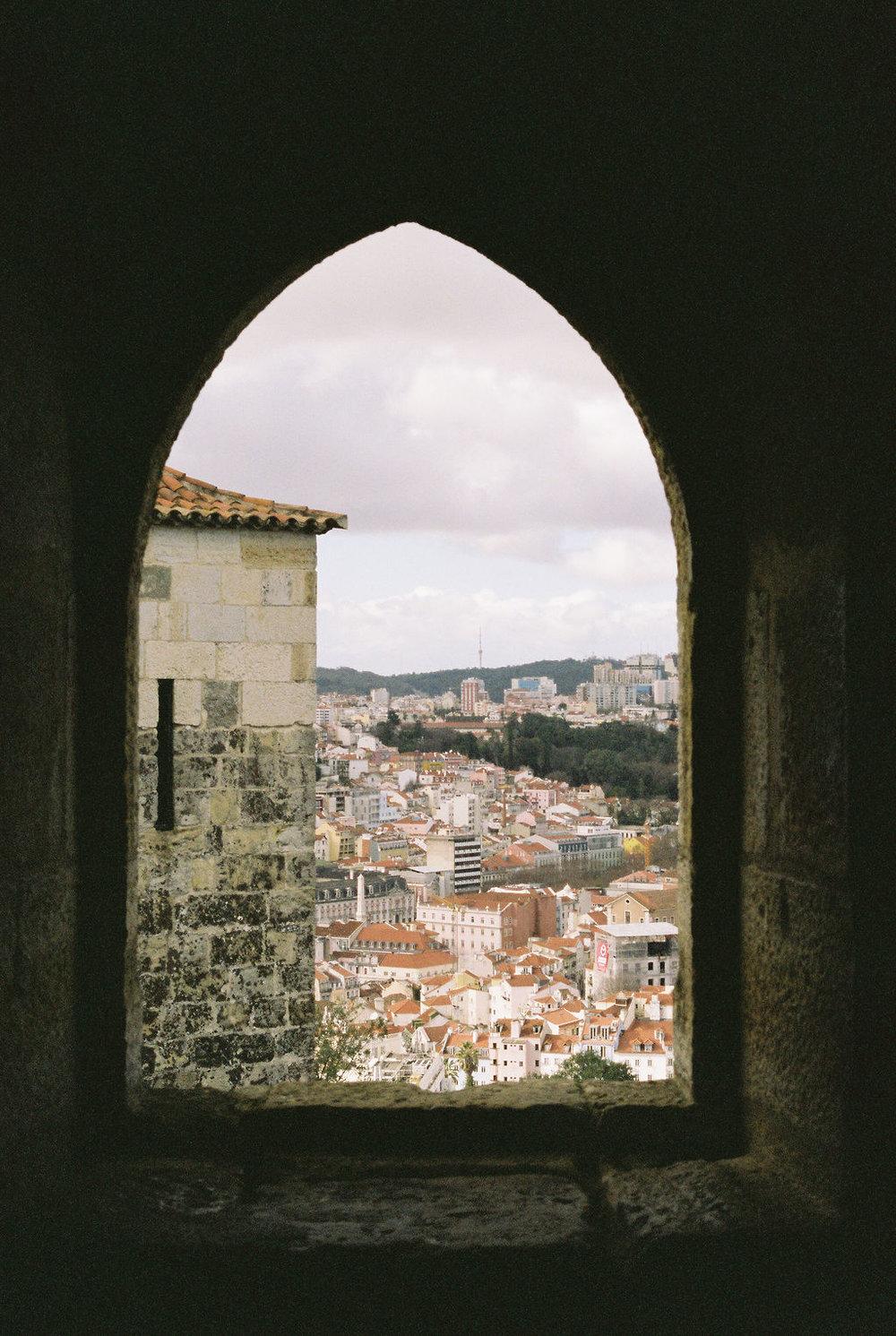 © Cottage Hill, LLC   cottagehill.co   Lisbon on Film61.jpg