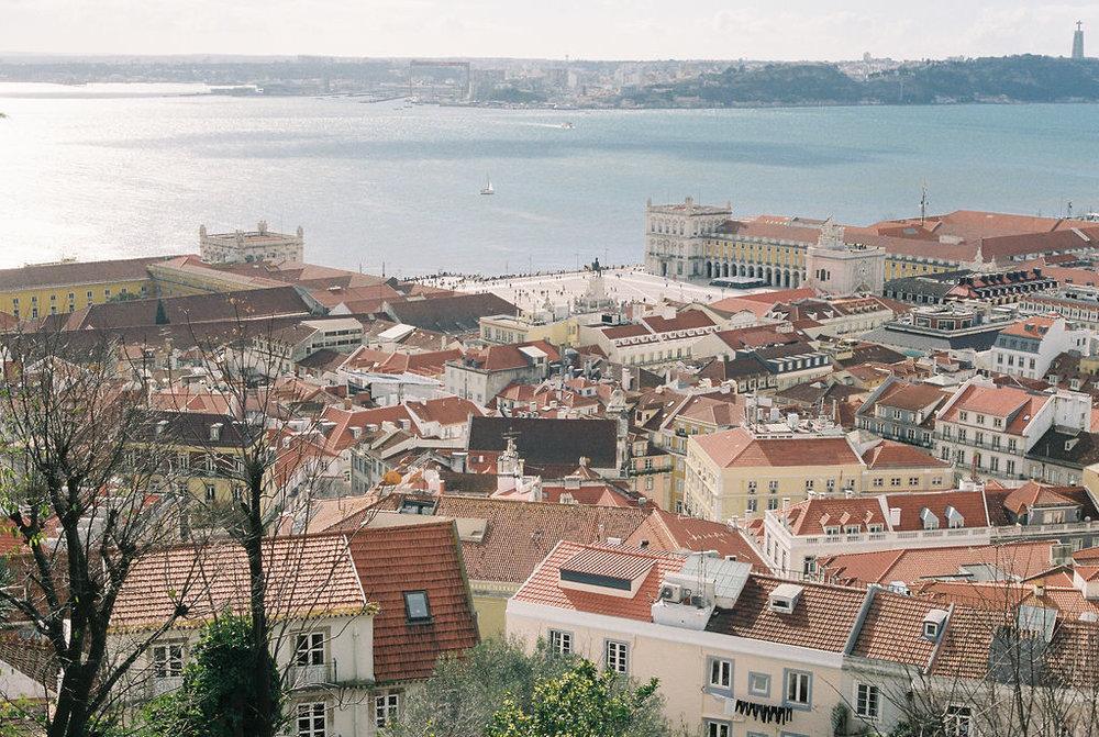© Cottage Hill, LLC   cottagehill.co   Lisbon on Film51.jpg