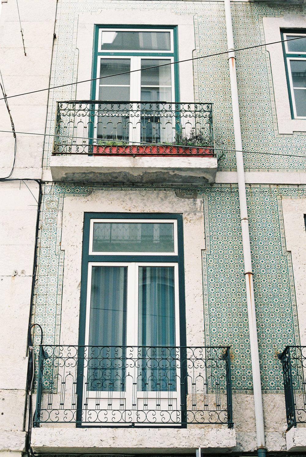 © Cottage Hill, LLC   cottagehill.co   Lisbon on Film86.jpg