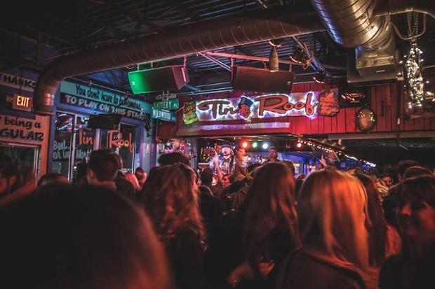 Tin Roof Nashville S Most Visited Bar Lyft Blog