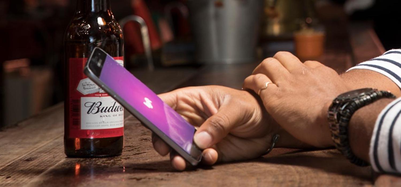 Levantamento do Datafolha também aponta que 83% dos brasileiros concordam que apps contribuíram com diminuição de mortes no trânsito. Foto: Getty Images.