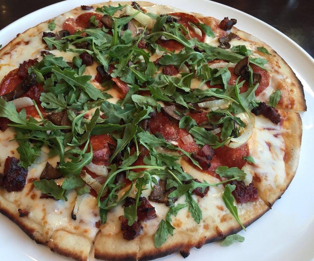 Charred tomato pizza.jpg
