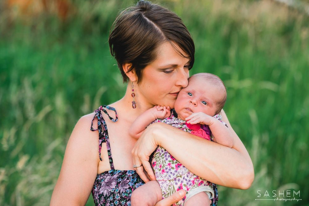 Mom & Daughter, Outdoor Newborn Session