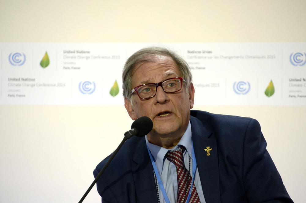 Donald Ranvaud presents the Film4Climate International Charter at COP21. Photo credit: Max Edkins