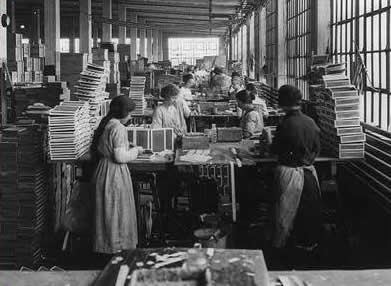 Women working in a box factory, 1910, Library of Congress, LC-USZ62-53225