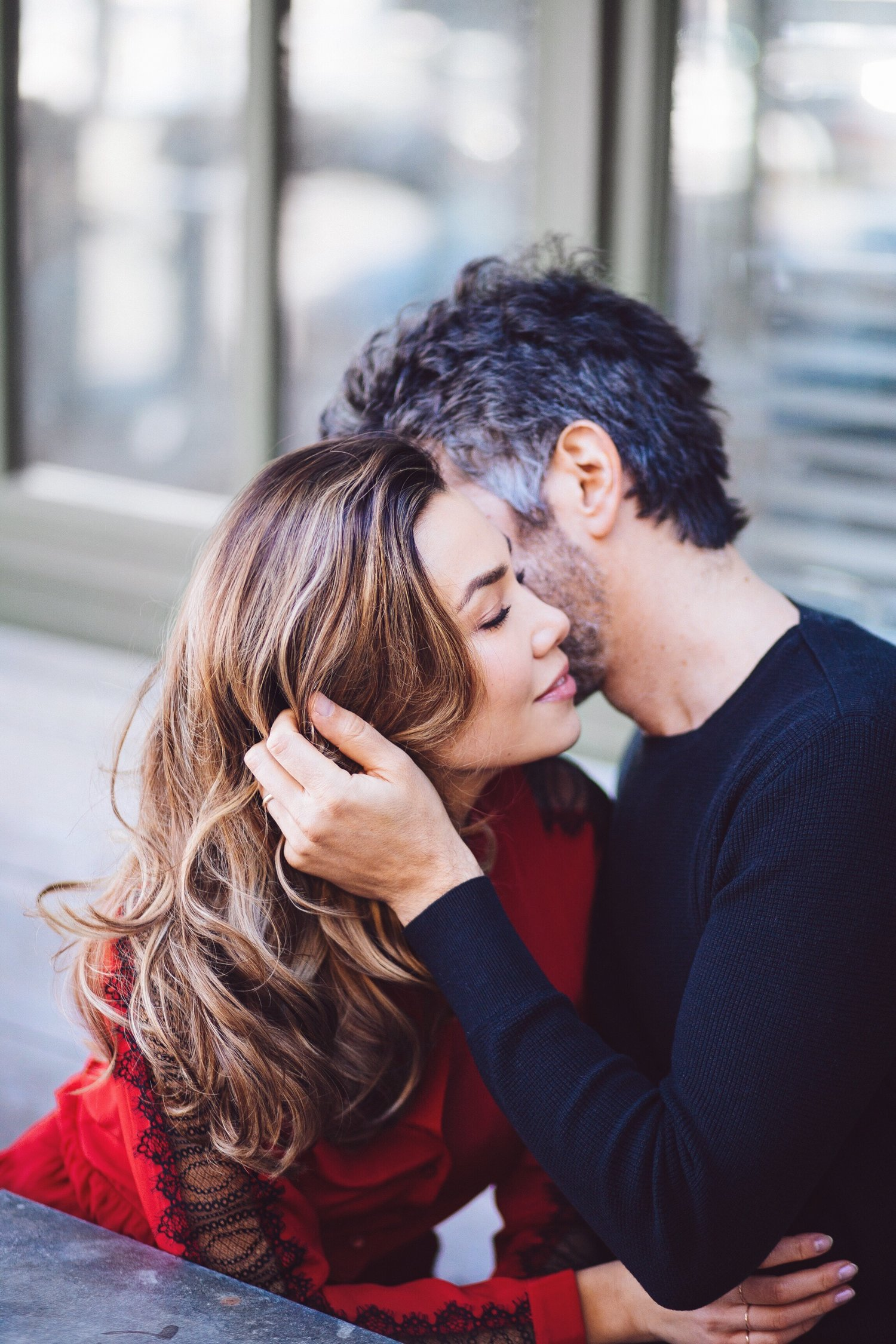 A touch can convey a lot more love and affection than words. Use these 16  non-sexual touches to feel more connected and loved in your relationship.