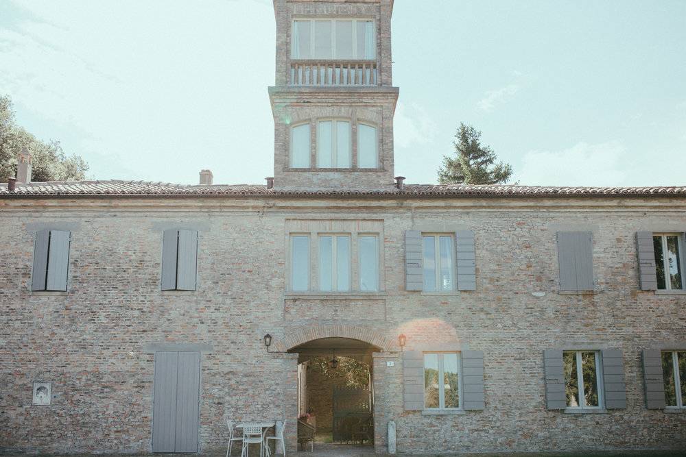we stayed in the stunning country house Il Pignocco near to the city of Pesaro & 10 minutes from the beach