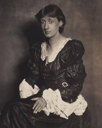 Virginia Woolf, photographed by Horst P. Horst for British Vogue Magazine, 1924.