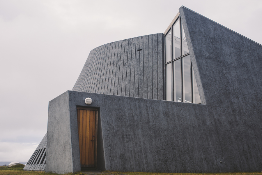 I am telling you, Iceland has some increible church architeture.