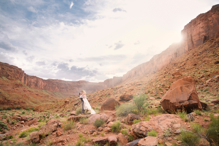 MARIACORONAPHOTOGRAPHY_MOAB_WEDDING_088.JPG
