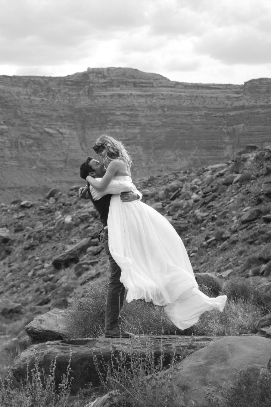 MARIACORONAPHOTOGRAPHY_MOAB_WEDDING_087.JPG