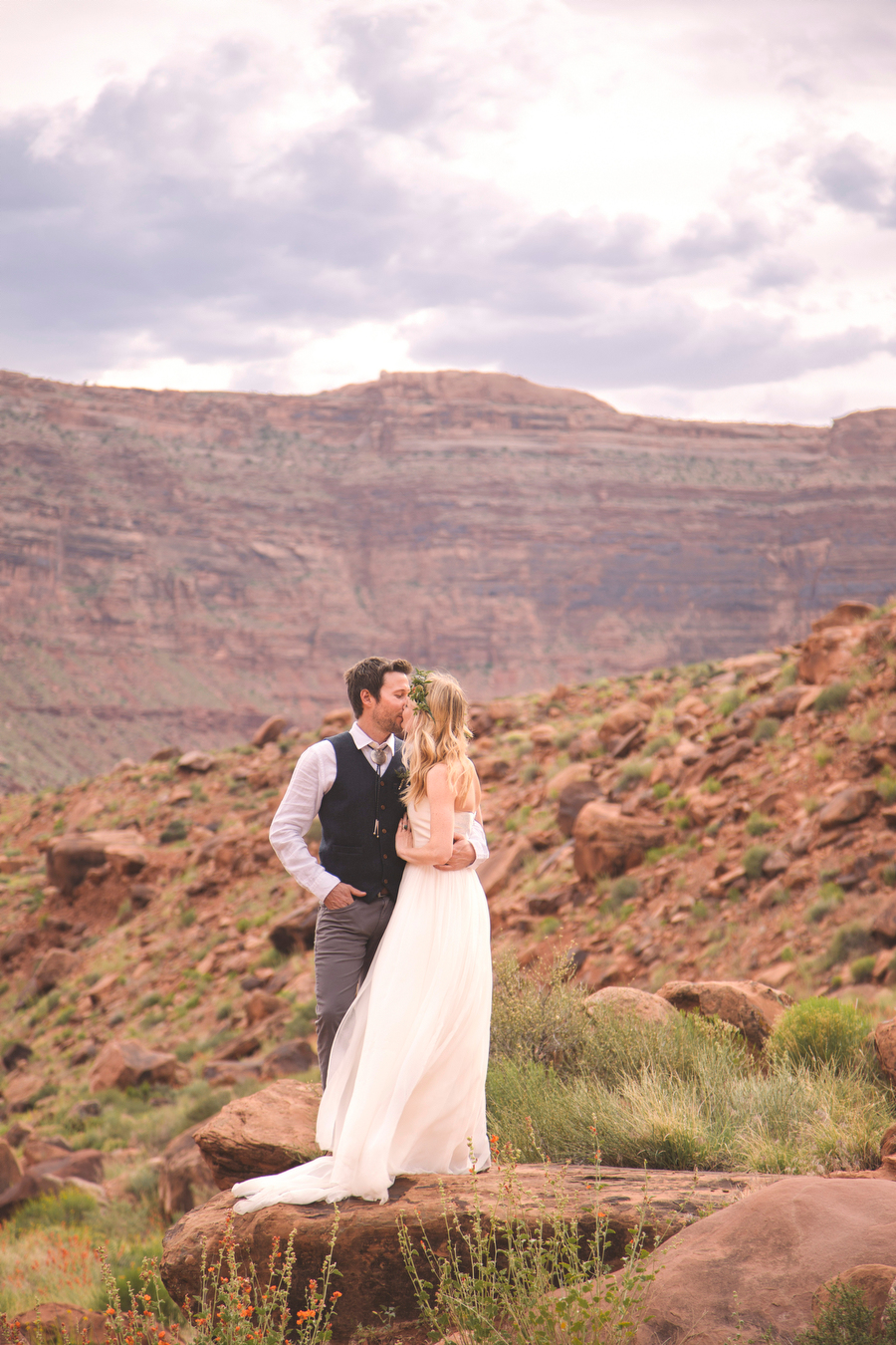 MARIACORONAPHOTOGRAPHY_MOAB_WEDDING_083.JPG