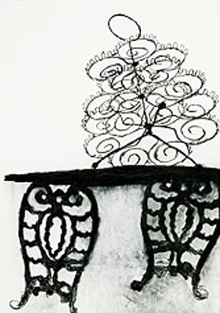 Cupcake Holder on Victorian Bench.JPG