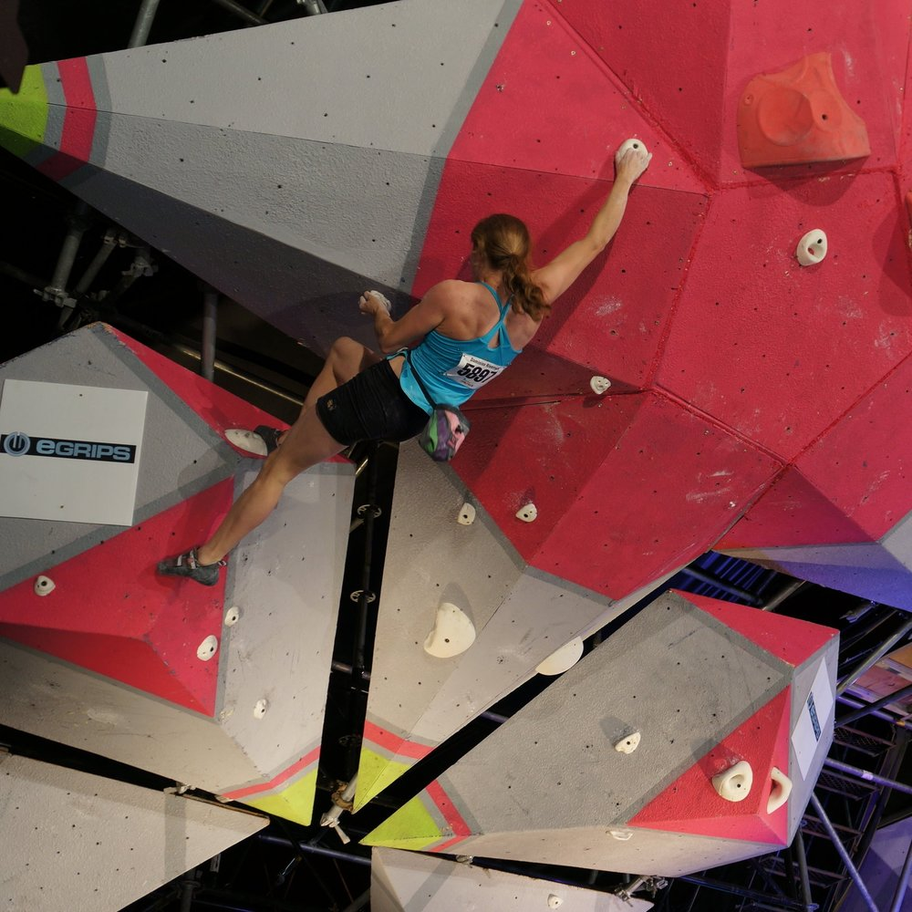 COMPETITION CLIMBING