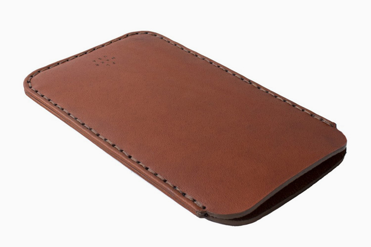 MAKR-IPHONE6-PLUS-TAN-SLEEVE-CASE