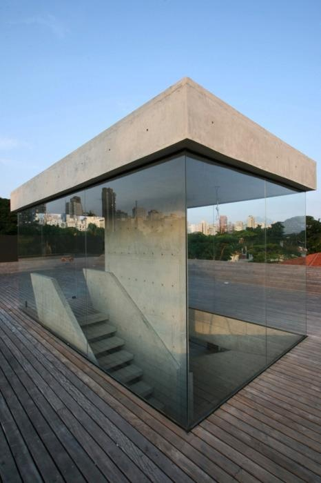 Concrete and Glass stair case underground home ITCHBAN.com