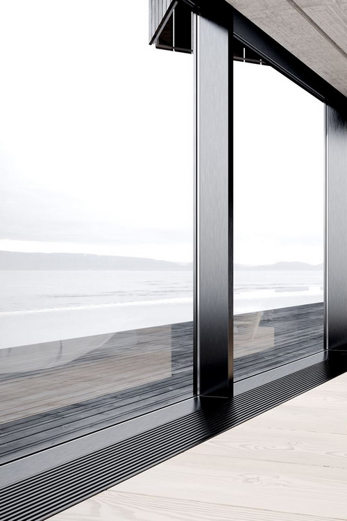 Modern architecture design with sea view ITCHBAN.com