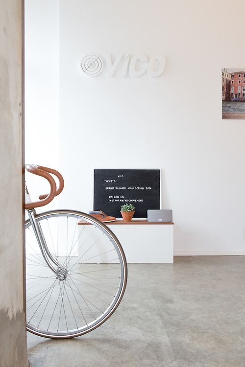 Clean interior design for bike shop ITCHBAN.com