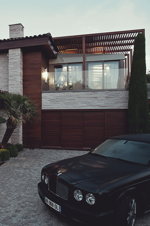 Dream house with dream car ITCHBAN.com