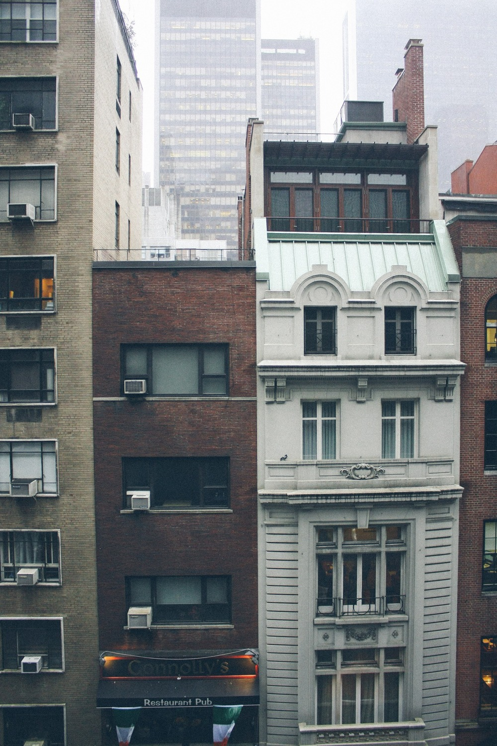 Tall New York Apartment Buildings ITCHBAN.com