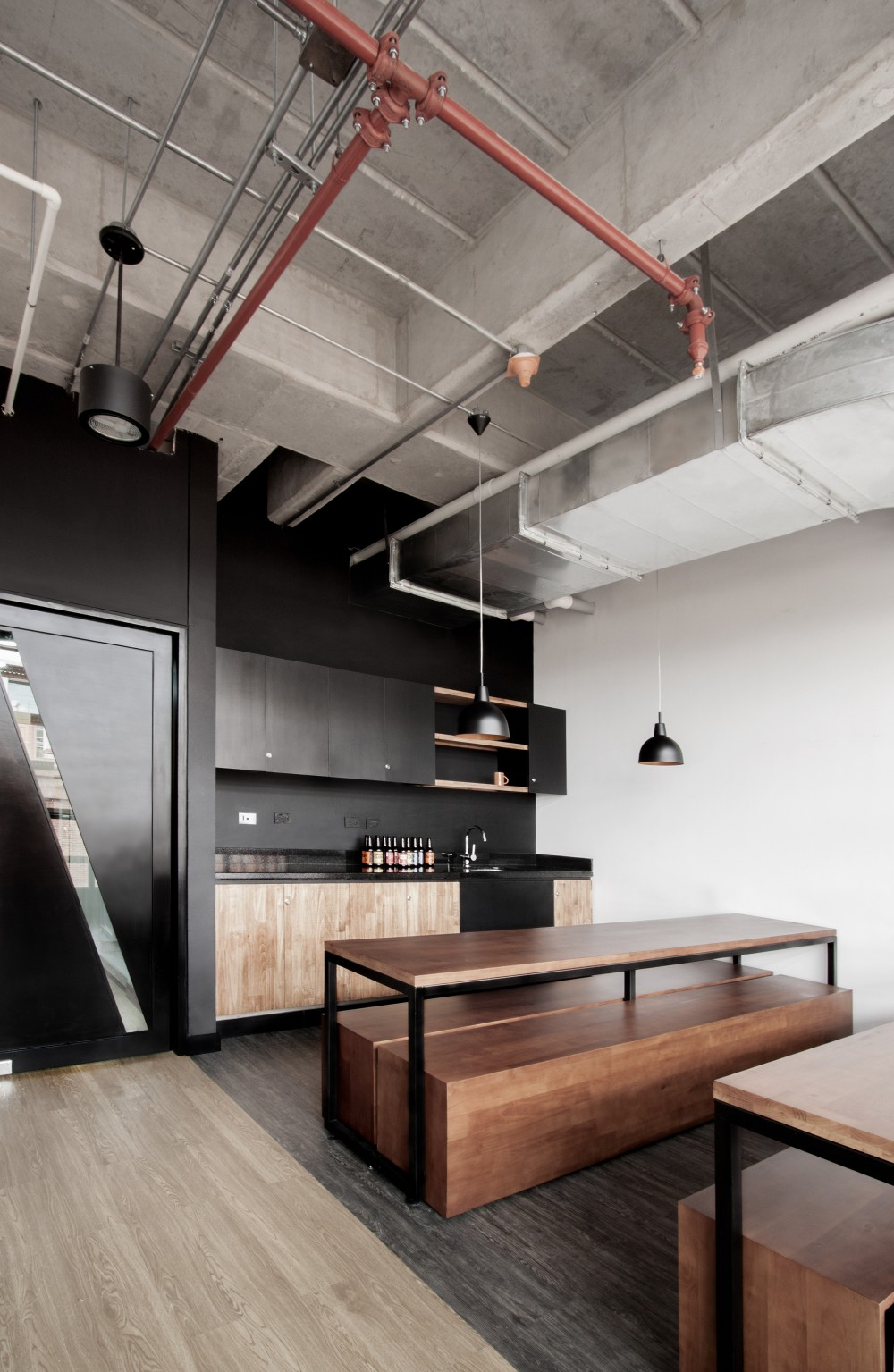 Workplace kitchen with great interior ITCHBAN.com