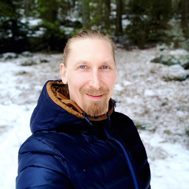 3-day introspective journey, a mindfulness retreat of silence about to start 🧘🏼♂️ Surrounded by nature, other wonderful participants, practising meditation, yoga, mindful walks, recharging, listening the world within and self-exploration... all in silence and richness of solitude 🙏🏻 Turning off the phone 📲 and removing the watch ⌚️ from the wrist. Off the grid now 👋  #retreatofsilence #mindfulness #meditation #yoga #nature #solitude #recharging #selfcare #selfreflection #innerwisdom #innerworld #selfdevelopment #selfleadership #offthegrid