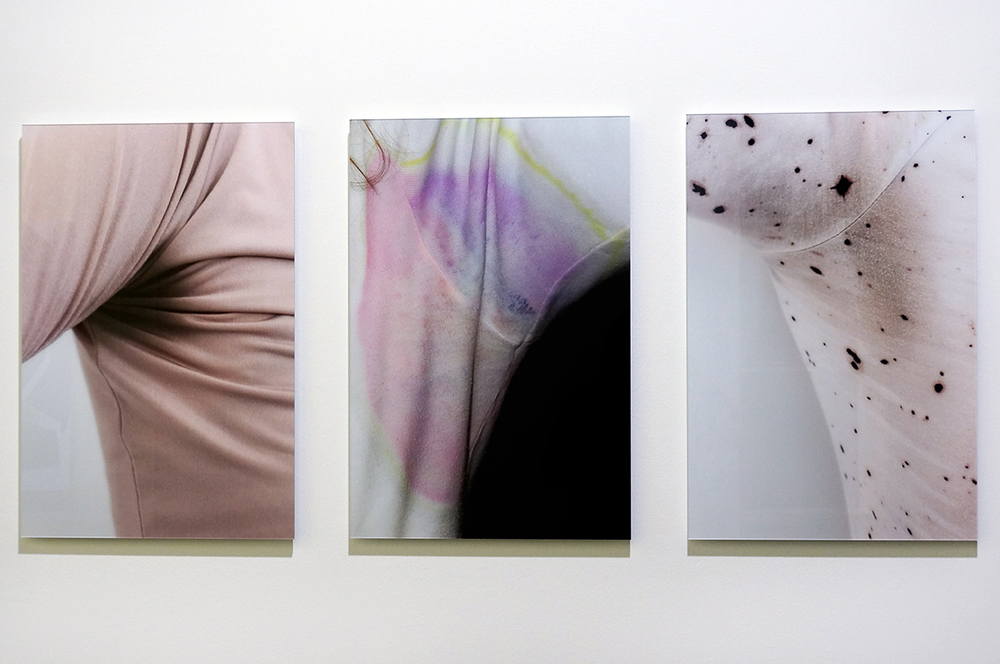 Sweat-stress (armpit/pink), Sweat-stress (armpit/spectrum) 2003, Sweat-stress (armpit/opposite-universe) Ultrachrome prints / diasec, 40 x 60 cm