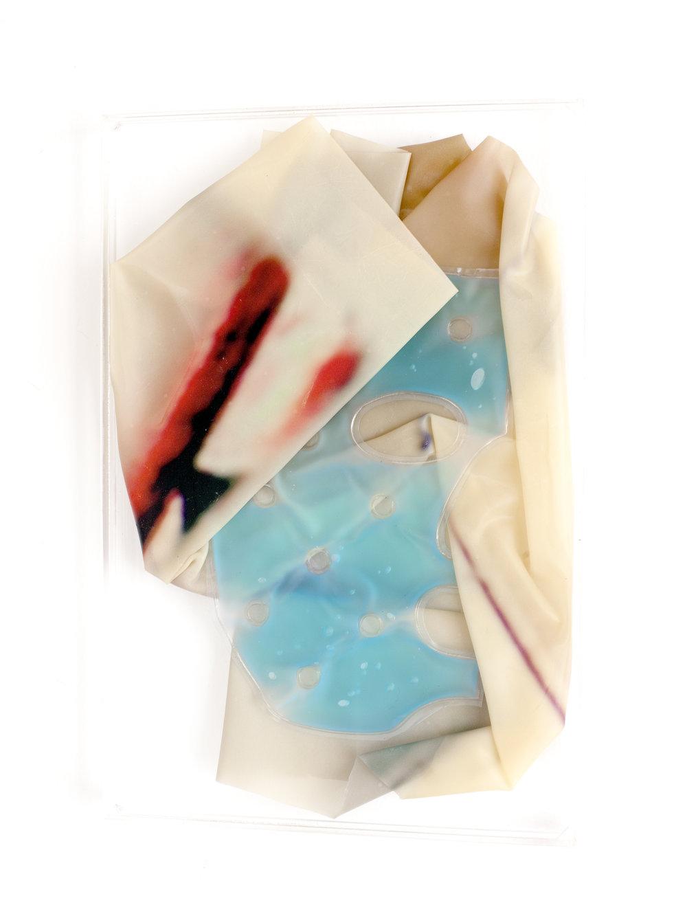 SCREWY, 2018, sculpture (unique), 30 X 20 x 1,6 cm, inkjetprint on latex, transparent acrylic, ½ face gel mask