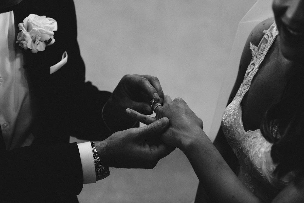 S+C-Blog Stones Of The Yarra-Dean Raphael-Melbourne Wedding Photographer-96.jpg