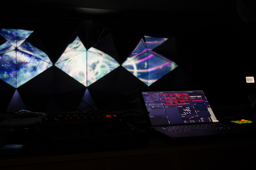 Asteriskos-yeasayer-digital-fabrication-creatorsproject-arandalasch-stage-fragrantworld-caseyreas-processing-MIDI.jpg