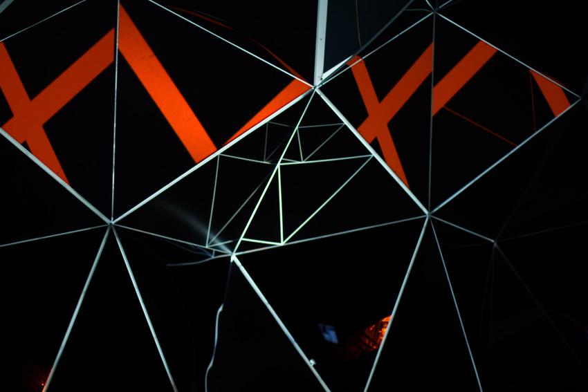 Asteriskos-yeasayer-digital-fabrication-creatorsproject-arandalasch-stage-fragrantworld-caseyreas-processing-geometric-abstract.jpg