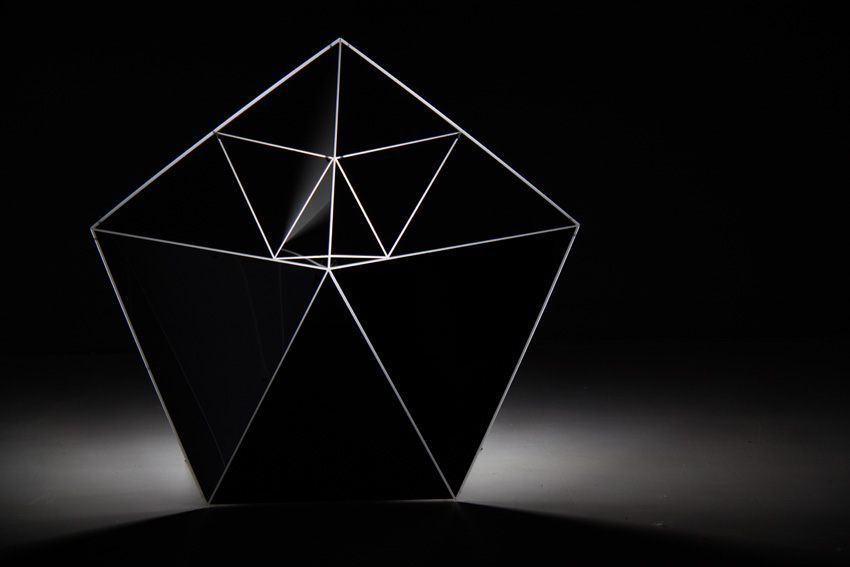 Asteriskos-yeasayer-digital-fabrication-creatorsproject-arandalasch-stage-fragrantworld-caseyreas-processing-prototype.jpg
