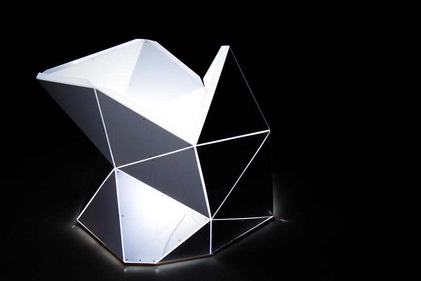 Asteriskos-yeasayer-digital-fabrication-creatorsproject-arandalasch-stage-fragrantworld-caseyreas-processing-glowing.jpg