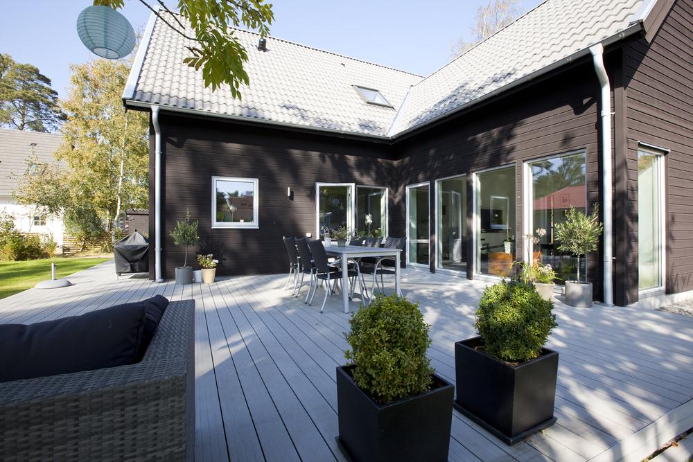 enplans villa med uteplats