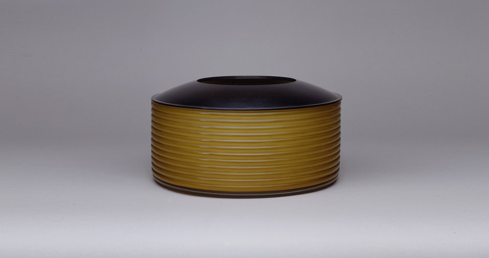 YELLOW CUT VESSEL WITH STEEL LID. 2001
