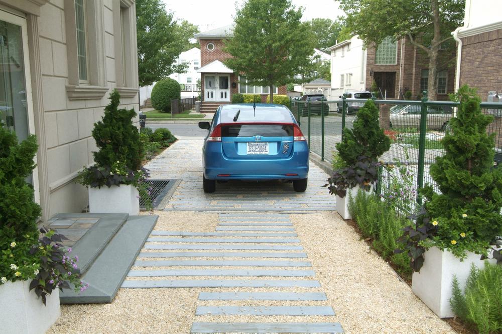 Schain.drivewayflatretsat copy 2.jpg