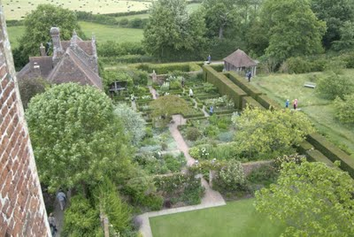 garden historian author and designer penelope hobhouse sees sissinghurst as the epitome of english garden traditions a translation of edwardian splendor - Garden Design Birds Eye View