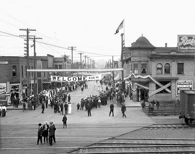 Main Street, Auburn 1909 ©pauldorpat.com,