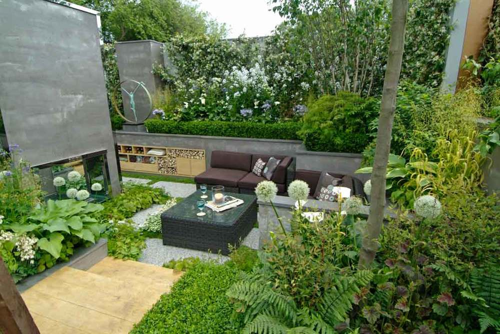 Delightful Small Garden Design