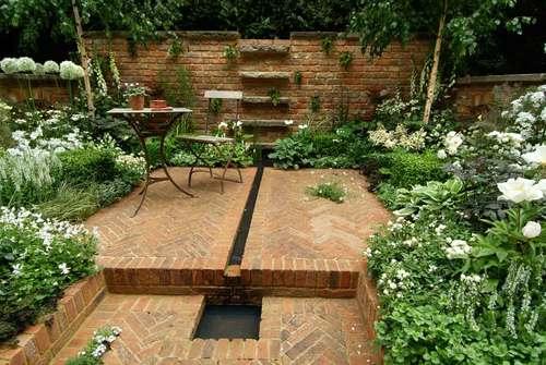 brownstone garden design